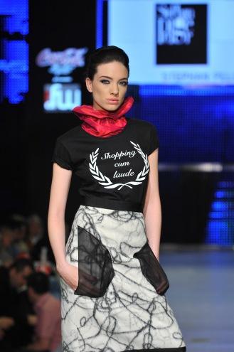 In Spatele Romanian Fashion Week www.mauvert.com