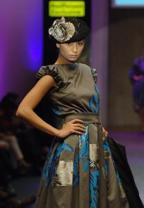 Gaia Vintage Couture www.mauvert.com