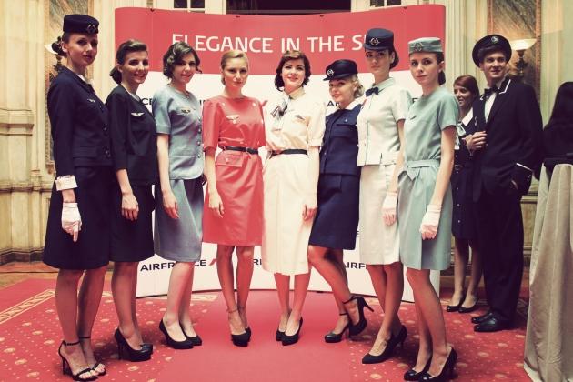 Air France, Elegance in the sky, uniforme, uniforme stewardese, uniforme vintage, dior, balenciaga, nina ricci, mauvert, artmark