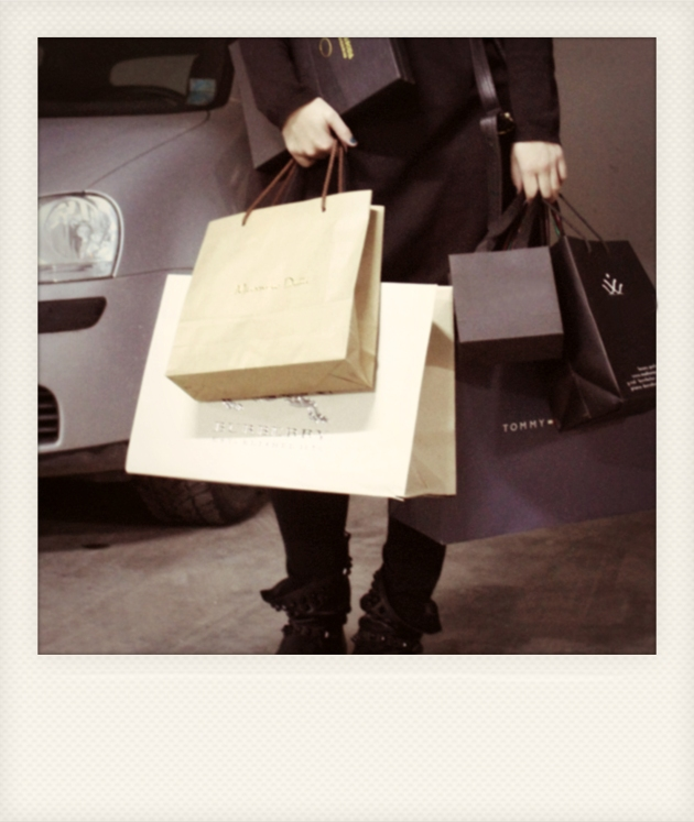 shopping, fashion days, shopping terapie, mauvert, shopping online, aplicatie iphone, aplicatie fashion days, claudiu enescu, polaroid, cool, denim, eleven paris, huse iphone