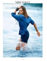 Andreea Diaconu, albastru, vogue paris aprilie 2014, www.mauvert.com