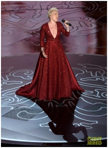 Pink in Elie Saab haute couture dress and Forever Mark jewels Oscar 2014