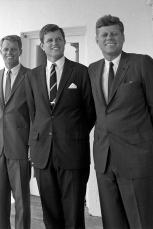 Brooks Brothers, www.mauvert.com